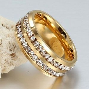 Jewelry - Rhinestone Studded Two Tiered Gold Ring